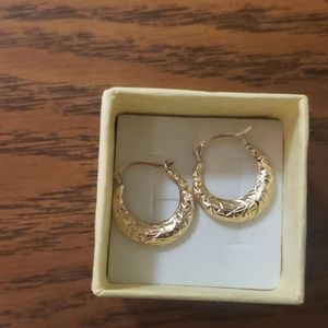 Real 9ct. Vintage yellow gold diamond cut earrings